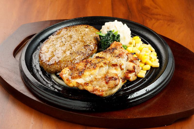 やわらか合い挽きハンバーグ&チキングリルステーキ<span>Hamburger(Ground Beef abd Pork)&Grilled Chiken</span>