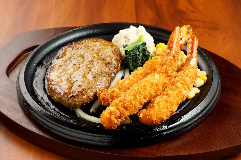 やわらか合い挽きハンバーグ& ぷりぷり海老フライ(3尾)<span>Hamburger (Ground Beef and Pork) & Fried Shrimp</span>
