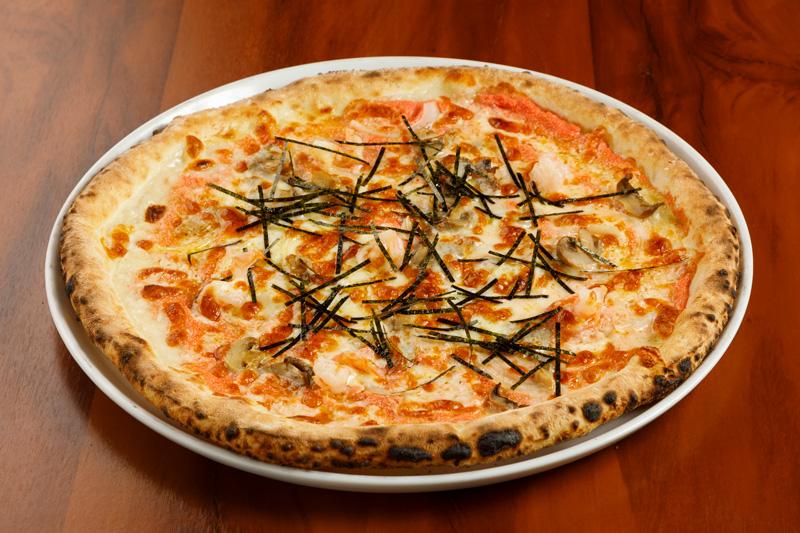 プリップリ海老と博多明太クリームのピッツァジャポネーゼ