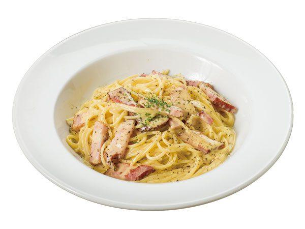 特製ベーコンのカルボナーラ<span>Pasta Carbonara with Deluxe Bacon</span>