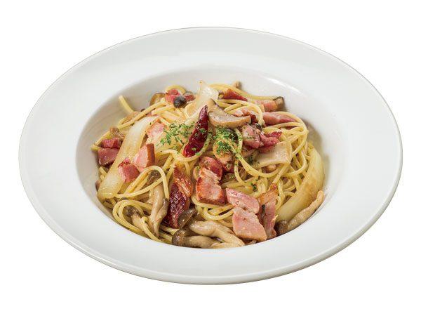 木の子と特製ベーコンのペペロンチーノ<span>Peperoncino with Mushrooms and Deluxe Bacon</span>