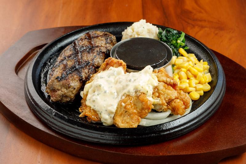 牛100%網焼きグリルハンバーグ&チキン南蛮<span>100% All-Beef Hamburger & Fried Chicken with vinegar and tartar sauce</span>