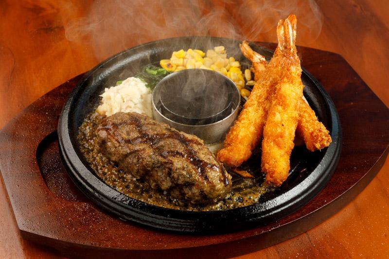 牛100%網焼きグリルハンバーグ& ぷりぷり海老フライ(3尾)<span>100% All-Beef Hamburger & Fried Shrimp</span>