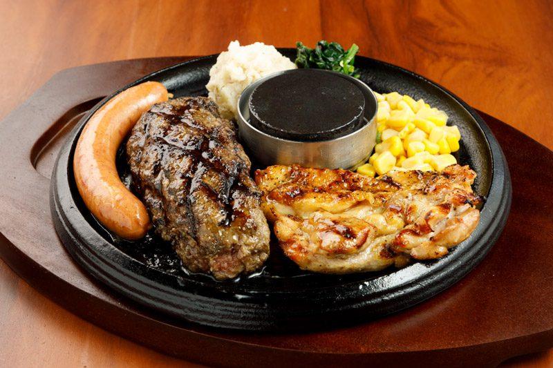 牛100%網焼きグリルハンバーグ&よくばりグリルセット<span>All-in-One 100% All-Beef Hamburger & Harf Chicken ,with Handmade Sausage</span>