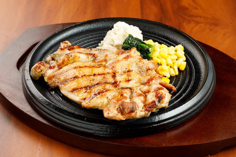 チキングリルステーキ<span>Juicy Grilled Chiken Staek</span>