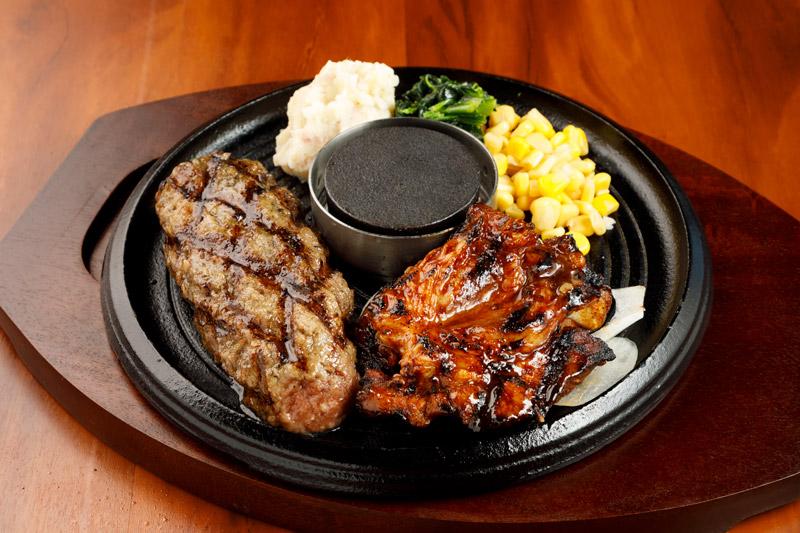 牛100%網焼きグリルハンバーグ&スパイシースペアリブ<span>100% All-Beef Hamburger & Spicy spare ribs</span>